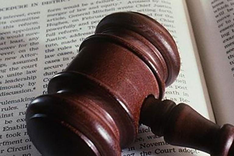 Traduzioni di certificati, documenti e contratti con traduttore giurato Lionspeech